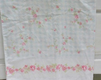 Cotton Pillowcase, Floral Pillowcase, Vintage Pillowcase, 1970's Pillowcase, Bed Pillowcase, Single Pillowcase, Standard Pillowcase