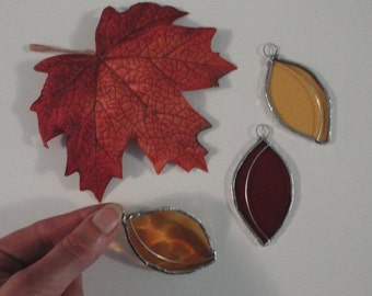 Stained Glass Autumn Leaves, Set of 3, Home Decor, Garden, Fairy Garden, Sun Catcher, Window Hanging, Wedding Favor, Fall Decor, Tree,Nature