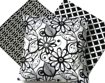 Lynne's Bargain Basement Yes (3) Decorator Pillow Covers Coordinating Colors Black White Solid Cream Colored Backs Throw Toss 16x16 inch x