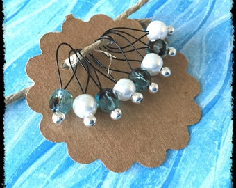 Snag Free Stitch Markers Medium Set of 8 -- Aqua Black and White Glass -- M10 -- For up to size US 11 (8mm) Knitting Needles