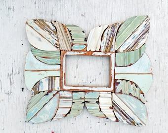 Green picture frame, Reclaimed wood frame, 5x7 photo frame, Sea foam frame, Boho frame, Mosaic picture frame, Beach picture frame