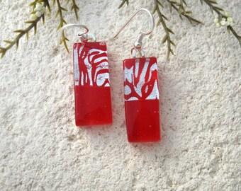 Silver Red Earring, Dichroic Earrings, Fused Glass Jewelry, Dichroic Glass Earrings, Dangle Drop Earring, Red Earring, Sterling,  061516e100