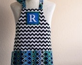 SALE Kids Apron / Toddler Ages 2-6 Personalized Letter  - Black and White Chevron Reversible Apron with Wave Pockets