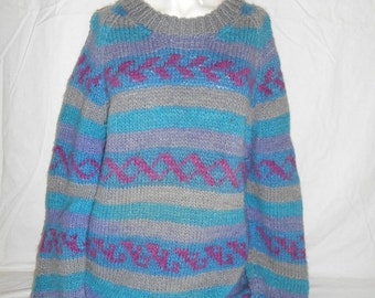 Vintage Beautiful     Sweater     hand knit      winter warm       clothing clothes