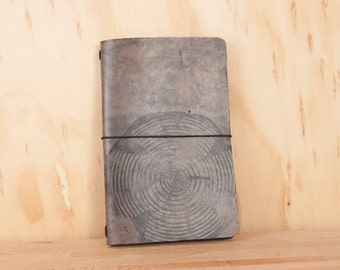 Midori Notebook - Leather Journal - Moleskine - Big Woody pattern with wood round - Black leather - Handmade Travelers Notebook