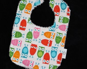 White Pink Urban Zoologie Owls and Chenille Bib