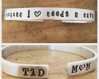 T1D awareness cuff bracelet. Type 1 Diabetes Someone I love needs a cure - Type 1 Diabetes Bracelet - T1D MOM - Heart - Support Group