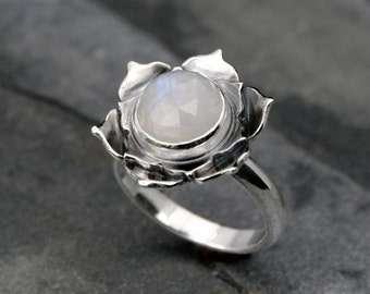 Moonstone Lotus Ring, Sterling Silver Statement Ring, Cocktail Ring, Faceted Rose Cut Gemstone, Luminous Lotus Flower, White Moonstone