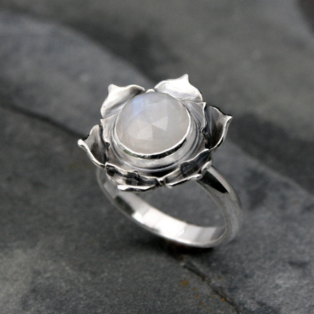 moonstone lotus ring sterling silver statement ring cocktail. Black Bedroom Furniture Sets. Home Design Ideas