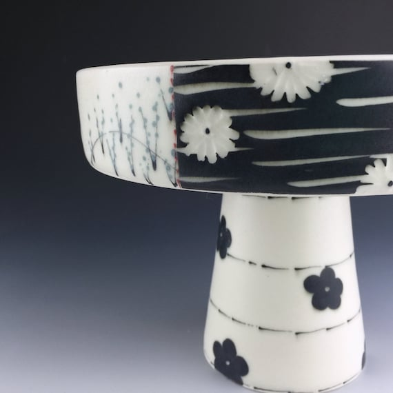 Items similar to Black and White Ceramic Cake Stand ...