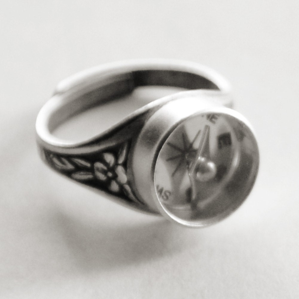 Silver Compass Ring Working Compass By Jewelryfineanddandy