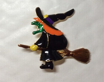 Wicked witch Halloween enamel vintage gold tone brooch/pin