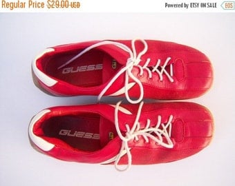 FLASH SALE Vintage GUESS sneakers / red leather tennis shoes / 70s 80s shoes / womens 7 mens 5.5