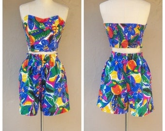 80s playsuit / 2 piece matching set / tropical floral high waisted shorts + strapless bustier top / small medium, bust 34-36 LIKE NEW