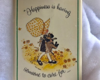 Holly Hobbie plaque ,Holly Hobbie collection, vintage 1970s wall decor, 1973 Happiness Is Having Someone To Care For, Holly and Cat
