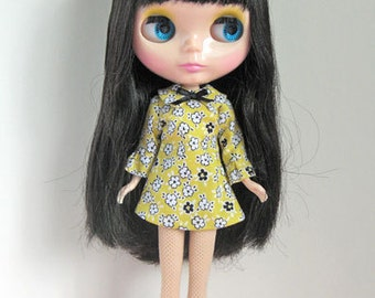 Golden lights dress for Blythe