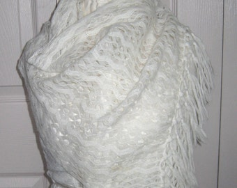 white woven scarf . white scarf . fringed white shawl-scarf  . 60s shawl . retro lace scarf . retro scarf