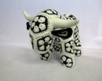 African Flower Crochet Cow Bull