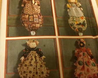 Simplicity 7548 Plastic Bag Holder in 4 Styles Pattern Bunny Crow Doll