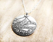 Mountain necklace in silver