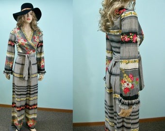 Vintage 70s Wrap Top & Palazzo Pants . Boho Hippie  Border Print High Waist Pants  Wrap Jacket . XS S M