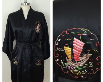 70s Golden Bee Chinese Black Satin Embroidered Junk Boat Short Sleeve Robe, One Size, S, M, L, Xl