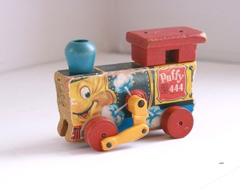 Vintage Fisher Price pull train Puffy 444