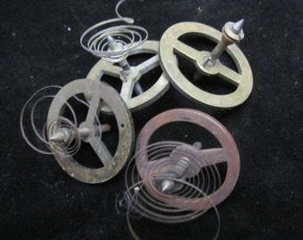 4 Steampunk Supplies Large Watch Clock Parts Cogs  gears wheels Antique vintage G 47