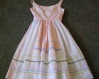 Vintage Dress ~ Pink White ~ Rick Rack