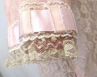 Vintage 1950's Odette Barsa Robe Peignor Lace Lingerie Pink with Satin Ribbon