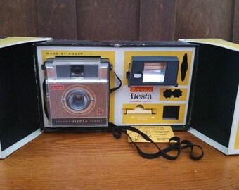 Vintage Kodak Brownie Fiesta In Box With Flash