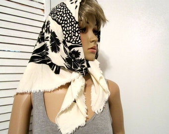 Scarf  Vintage 1980s scarf  Womens accessories Black and Cream Off-White