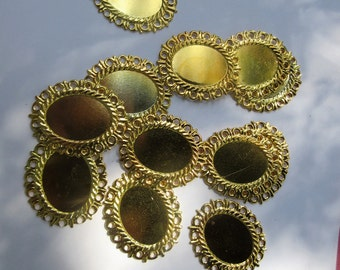 Gold Plated,  Oval 10-38 mm,   Cabochon Pendant,   GPFF,