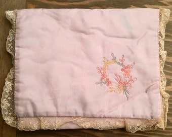 Vintage Embroidered Lace Sateen Handkerchief Holder or Pouch..1930's Hankie Case Carrier