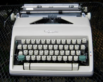 Working Vintage Olympia SM 9 Portable Typewriter with Case- 1960's