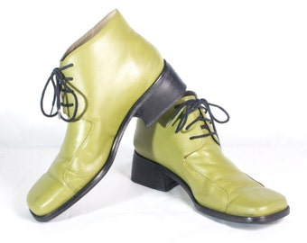 VTG 70's Wicked Witch Green Leather Booties size 8 Womens Chunky Retro Square Toe Ankle Boots Lace Up
