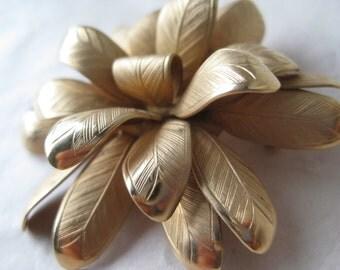 Flower Brooch Gold Pin Vintage
