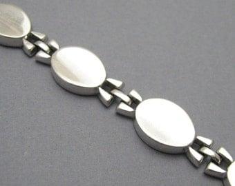 Vintage Monet Bracelet Silver Jewelry B7105