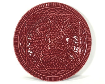 Bordallo Pinheiro, Red Plate, Textured Garden Design, Celery, Flowering Vines, Basket Weave