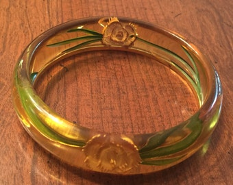 vintage apple juice Bakelite bangle