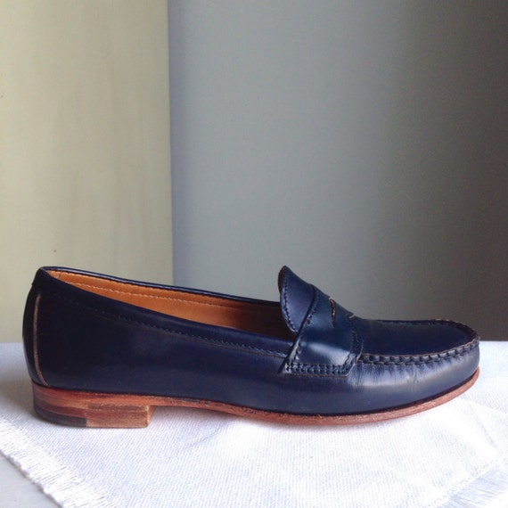 Women's Nordstrom Vintage Navy Penny Loafers Size 8
