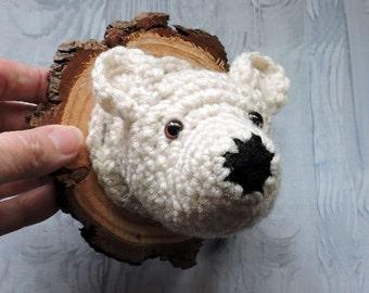 Faux Taxidermy Polar Bear Mount, hand crochet, wall plaque, arctic, nursery decor, cabin decor, white, wall decor , wood slice