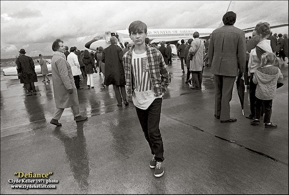 DEFIANCE, 1971, Nixon Airforce One, Portland, Oregon, 1971, Clyde Keller photo, Fine Art Print, Black and White, Signed