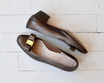 Ferragamo 'Vara' shoes | vintage Ferragamo ballet skimmers | Salvatore Ferragamo shoes 10