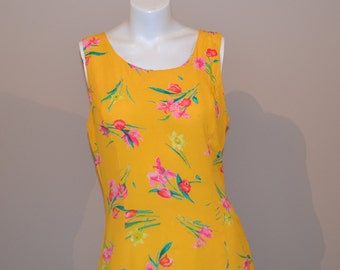 SALE: Vintage Dress Summer Yellow with Flowers Free Flowing