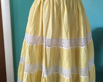 Yellow Rose of Friendship - 1940's Yellow Cotton Skirt with Lace Insets