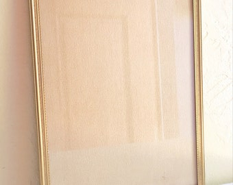 Unique Vintage 7x9 Inch Gold Metal Picture Frame