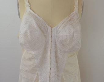 Vintage BRA CORSET open bottom garters size 42