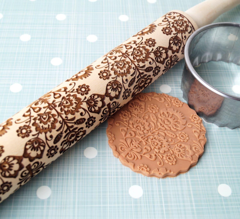 embossing rolling pin floral folk design wooden rolling pin. Black Bedroom Furniture Sets. Home Design Ideas