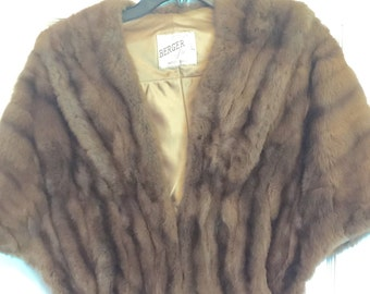 Lovely vintage fur stole capelet one size